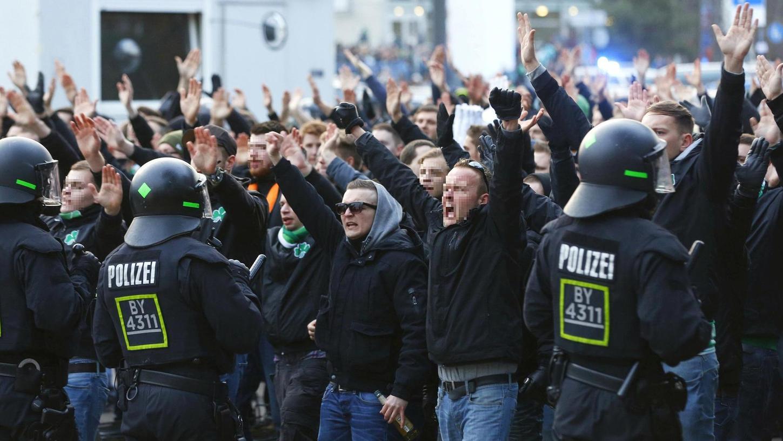 Immer wieder geraten am Treuchtlinger Bahnhof oder in Zügen, die in der Altmühlstadt halten, Fußballfans aneinander und müssen von der Polizei getrennt werden. Das beschäftigte das ohnehin knappe Personal der Dienststelle auch 2019 zusätzlich.