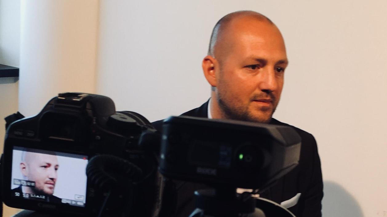 Die Kameras sind auf Mario Hamm selten gerichtet, beim Club arbeitet der Finanzdirektor eher im Hintergrund. Dennoch schätzt man bei der DFL seine Expertise.