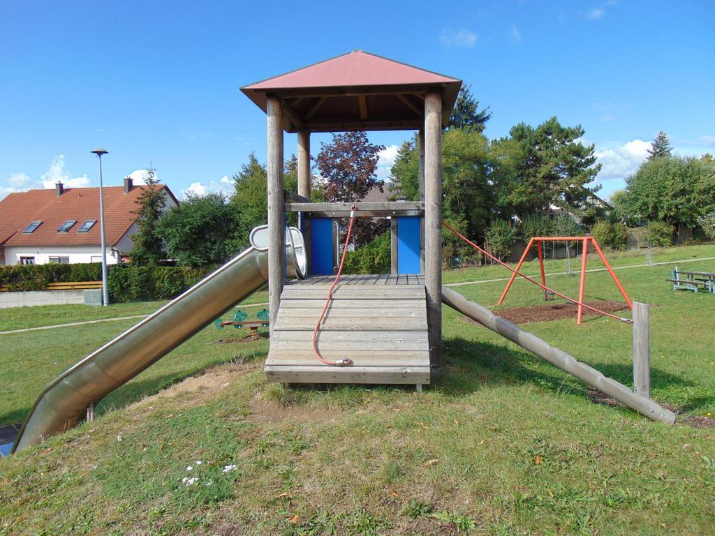 FOTO: 1.10.2020; Rebecca Loy MOTIV: Spielplatz; Spielplätze in Gunzenhausen; Wohngebiet Reutberg II