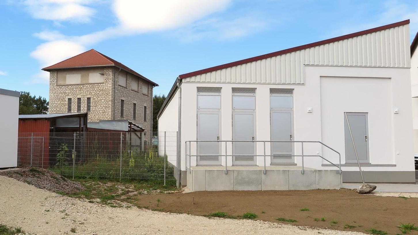 Das Schalthaus in der Kästleinsmühlenstraße ist die Schnittstelle des Treuchtlinger Stromnetzes mit den übergeordneten Netzen.