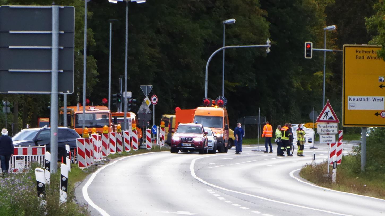 Nach dem Fund des Sprengkörpers wurde der Verkehr von der B470 umgeleitet.