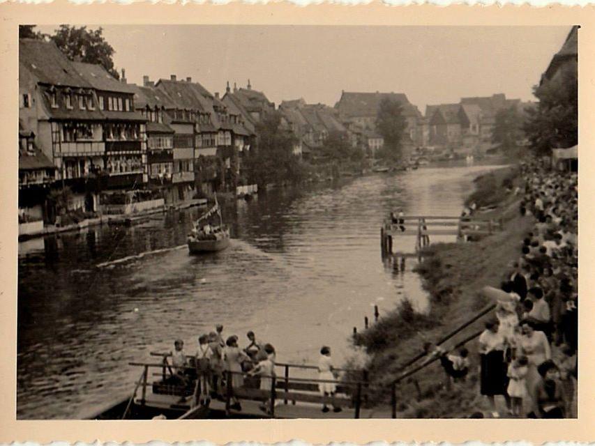 Ein absoluter Besuchermagnet: Die Sandkerwa ist das mit Abstand beliebteste Volksfest in der Region Bamberg. Hier ein Bild aus dem Jahr 1955.