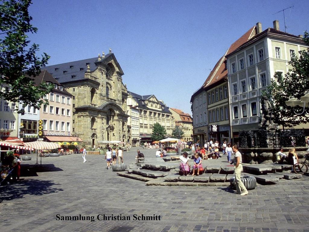 In der Nähe des Gabelmanns und der Martinskirche finden regelmäßig Märkte statt. Hier ein Bild aus dem Jahre 1985.