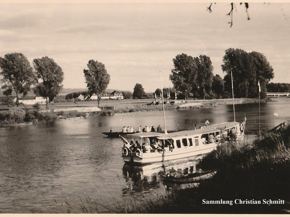 Die Regnitz eignet sich nicht nur für einen entspannten Tag in der Sonne, sondern auch für Fahrten mit Booten und Schiffen: Hier ein Bild des