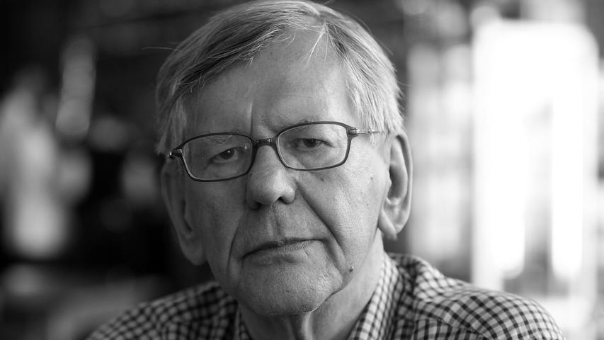 Der Autor, Entertainer und Kabarettist Herbert Feuerstein ist im Alter von 83 Jahren in Erftstadt gestorben. Kultstatus erlangte er durch die WDR-Sendung