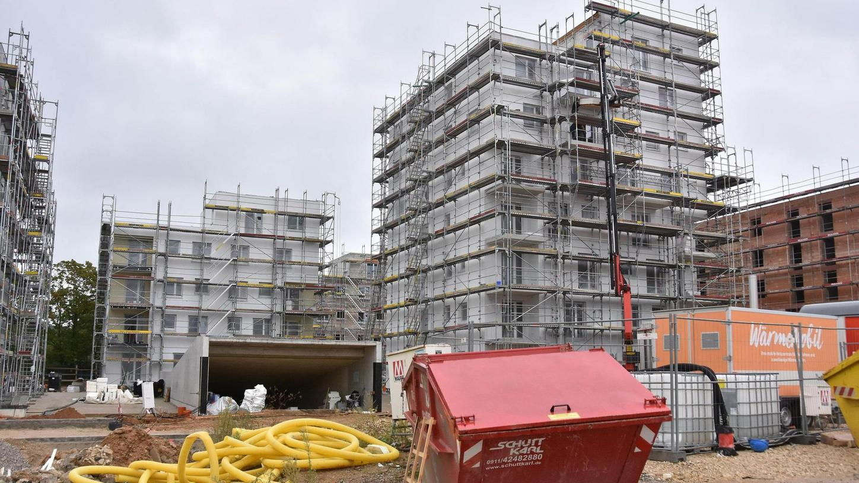 Das ESW-Projekt auf dem früheren Norma-Gelände kommt voran: Am Mittwoch wurde Richtfest für die ersten zwei Bauabschnitte gefeiert.