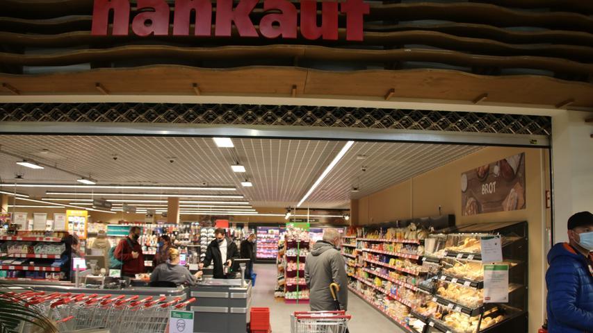 Selbst ein Supermarkt ist vor Ort. Wer nicht möchte,muss einen Center Parc grundsätzlich nicht verlassen.