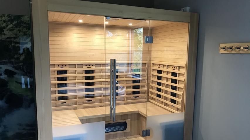 Wer möchte, kann sich ein Ferienhaus mit eigener Sauna und/oder Whirlpool buchen.