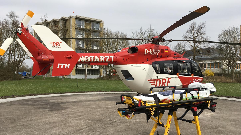 Ein Rettungshubschrauber brachte den Verletzten in eine Spezialklinik.