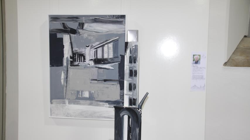 Halmut Ranftl aus Nördlingen beteiligt sich mit einem Bild samt zugehöriger Plastik am Weißenburger Kunstpreis. Titel: