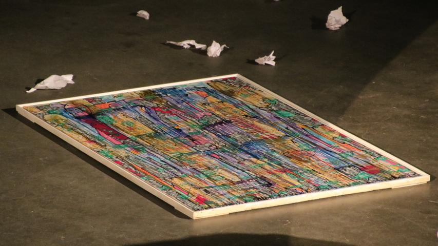 Am Anfang war nur eine leere Halle, mit einigen Kunstwerken auf dem Betonboden.