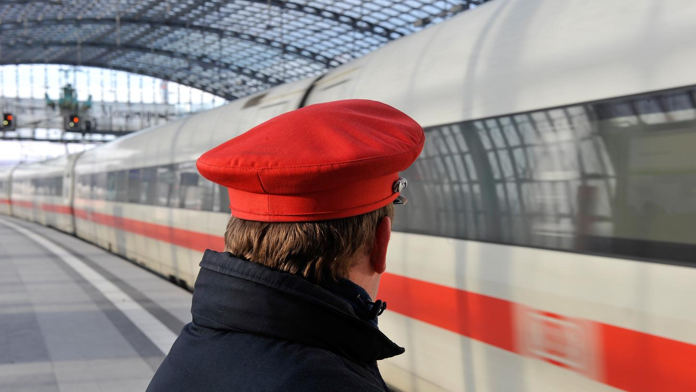 Mit dem Fahrplanwechsel im Dezember gibt es mehr Verbindungen auf den wichtigen Bahnstrecken in Deutschland.