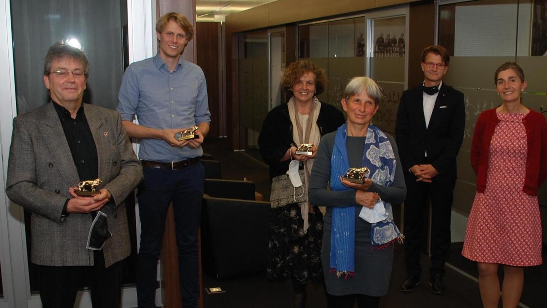 Lob für das Engagement: In einer Feierstunde überreichten die Verantwortlichen des Fürther Lions Clubs die Preise an die Empfänger.