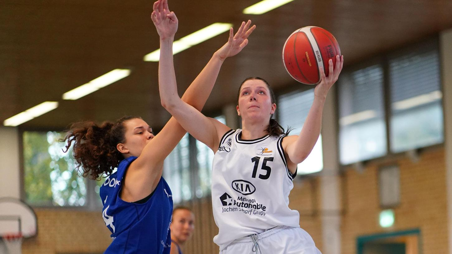 Katharina Kreklau (re.) zählte einmal mehr zu den erfolgreichsten Punktesammlerinnen der Kia Baskets. Elf Zähler gingen auf ihr Konto.