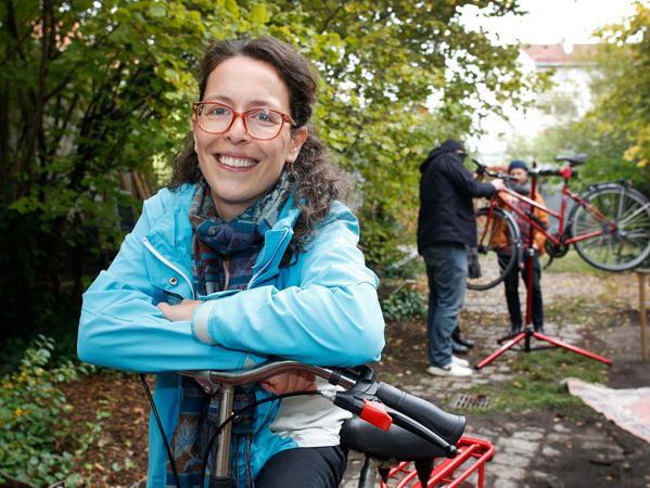"""Kerstin Seeger koordiniertfür das Projekt """"Die Wiese"""" die neue Radambulanz."""