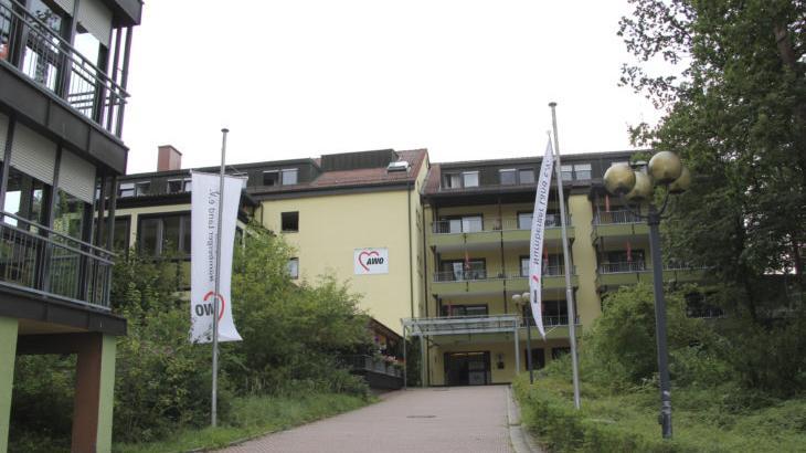 Soll saniert und erhalten werden, da sind sich alle einig: das Alten- und Pflegeheim Rudolf Scharrer in Mimberg. Dennoch dient das Vorhaben zu einem hitzigen Wortgefecht in der jüngsten Gemeinderatssitzung.