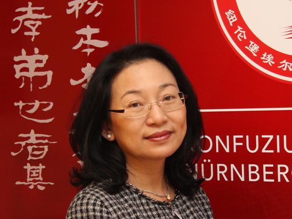 Die Direktorin des Konfuzius-Instituts Nürnberg-Erlangen, Yan Xu-Lackner.
