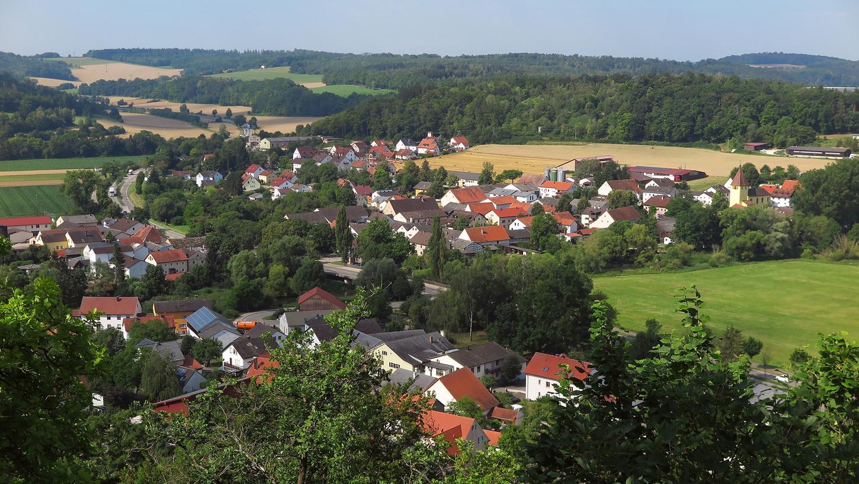 Im Dietfurter Ortsteil Schneckenhofen (im Vordergrund) gilt künftig Tempo 30.