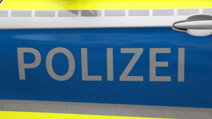 Die Polizei bittet bei beiden Fällen um Hinweise.