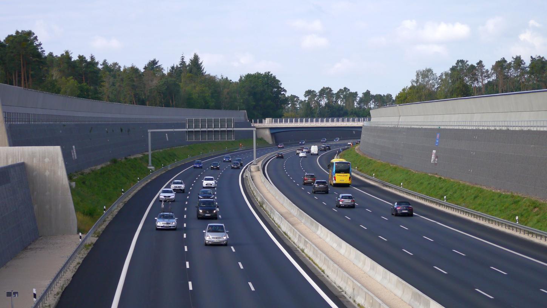 Bereits seit dem 1. September ist die ausgebaute A 6 bei Schwabach frei befahrbar. Offiziell freigegeben wird sie am Freitag, 23. Oktober, von Bundesverkehrsminister Andreas Scheuer.