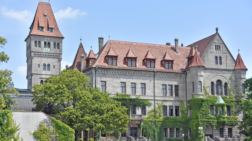 Das Schloss ist wohl das bekannteste Bauwerk der Stadt. Einmal pro Monat kann es besichtigt werden.