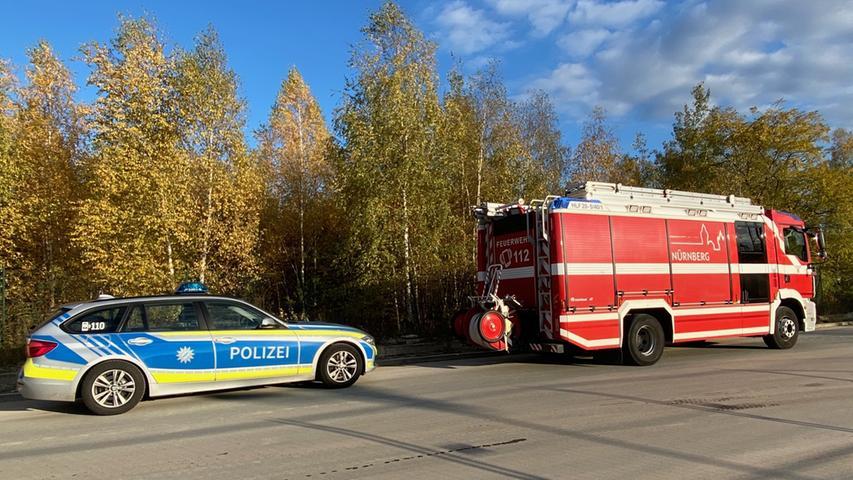 Ein Lautsprecherwagen der Feuerwehr durchfuhr den Süden Nürnbergs bereits am Dienstag - er warnte Anwohner vor der Evakuierung am Morgen.