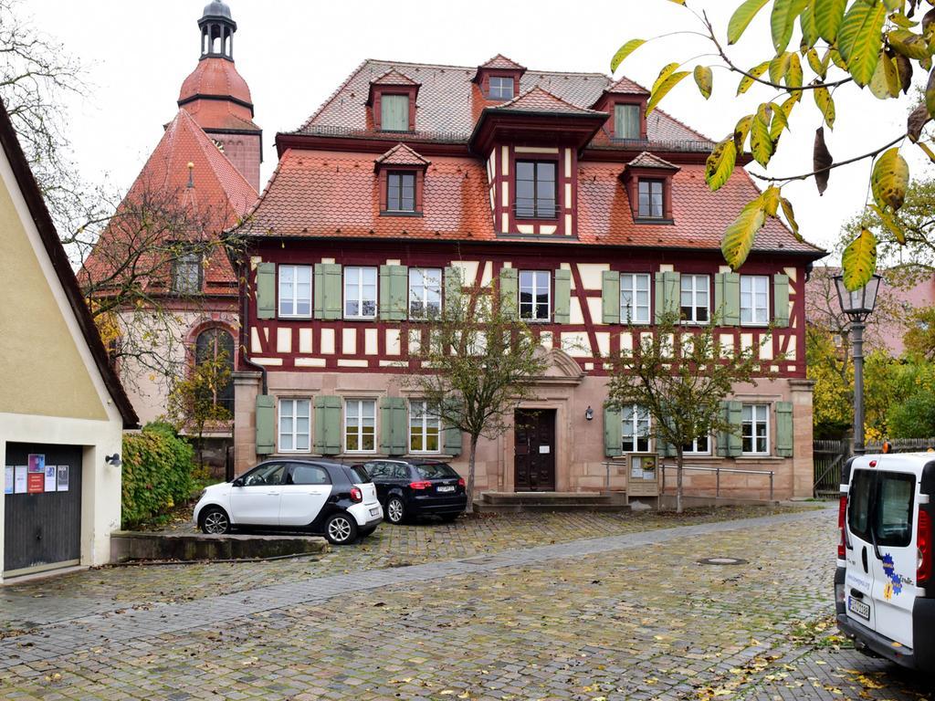 FOTO: Hans-Joachim Winckler DATUM: 26.10.20..MOTIV: Zirndorf Pfarrhaus erbaut 1710