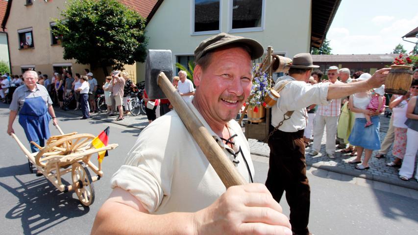 Festumzug und Spanferkel: So war die 1100-Jahr-Feier in Lonnerstadt
