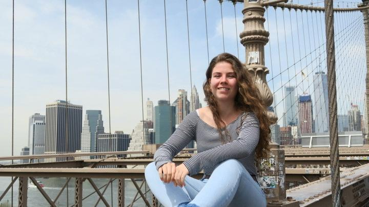 Olivia Eichel (18), studiert Buchwissenschaft und Theater & Medien im 1. Semester: