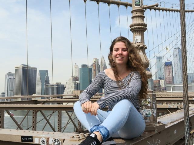 MOITV: Olivia Eichel (18) Buchwissenschaft und Theater& Medien im 1. Semester Foto: privat