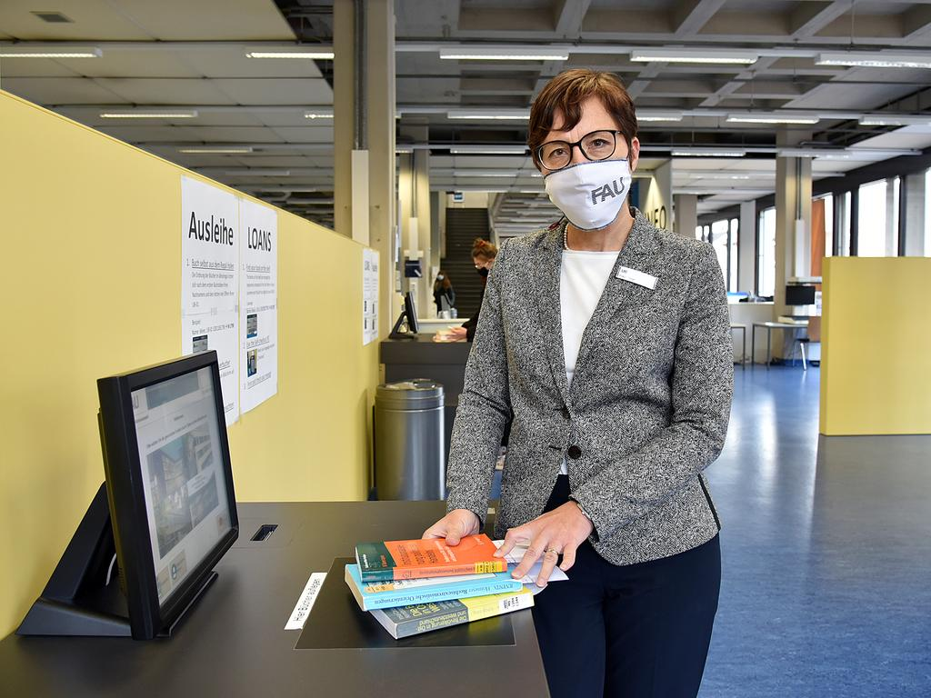 MOTIV: Konstanze Söllner, Leiterin der Unibibliothek Erlangen FOTO: Harald Hofmann