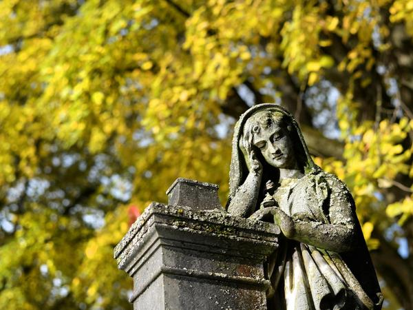 """Das """"Gedächtnis aller Seelen"""" wird am 2. November begangen. Einen Tag davor, am 1. November, ist Allerheiligen."""