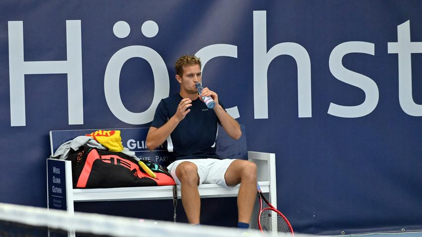 ATP Challenge Tennis in Eckental. Hier Johannes Härteis (gegen Leopold Zima).Foto: Klaus-Dieter Schreiter.
