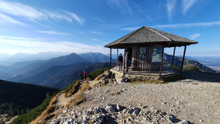Ausblick vom Pavillon des Herzogstandes.