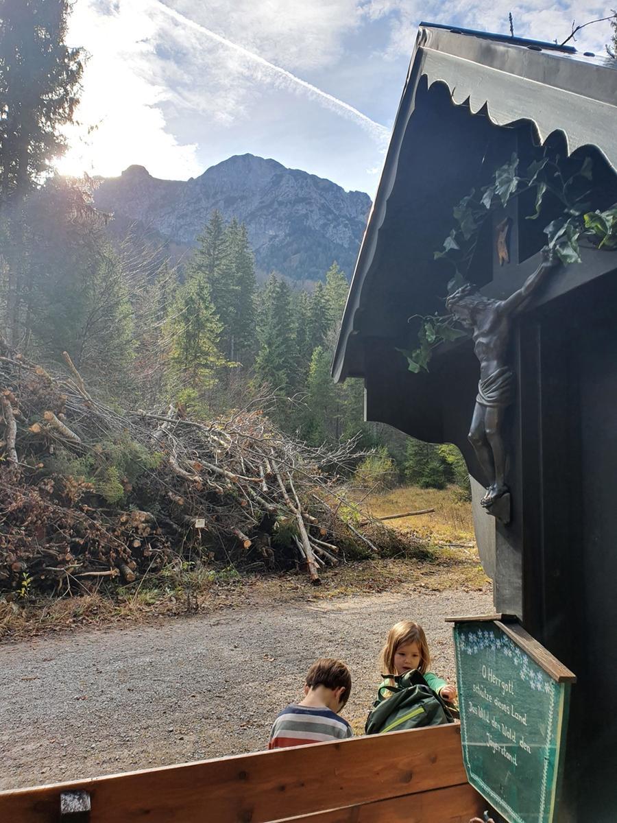 Eine Wanderung zu den Kesselbachfällen oberhalb des Kochelsees.