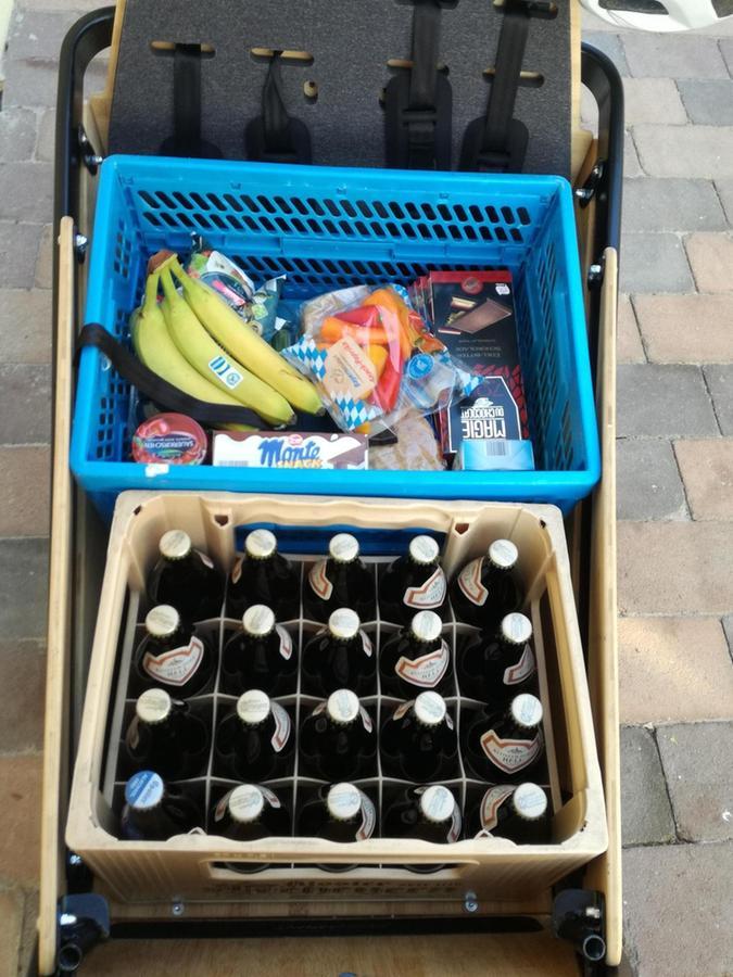 Das Lastenrad der Stadt Weißenburg fasst locker einen Kasten Bier und einen kleinen Einkauf.