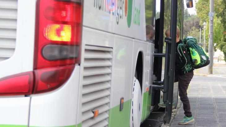 Einen zweiten Bus für Feuchts Grundschüler hätten sich die Grünen gewünscht.