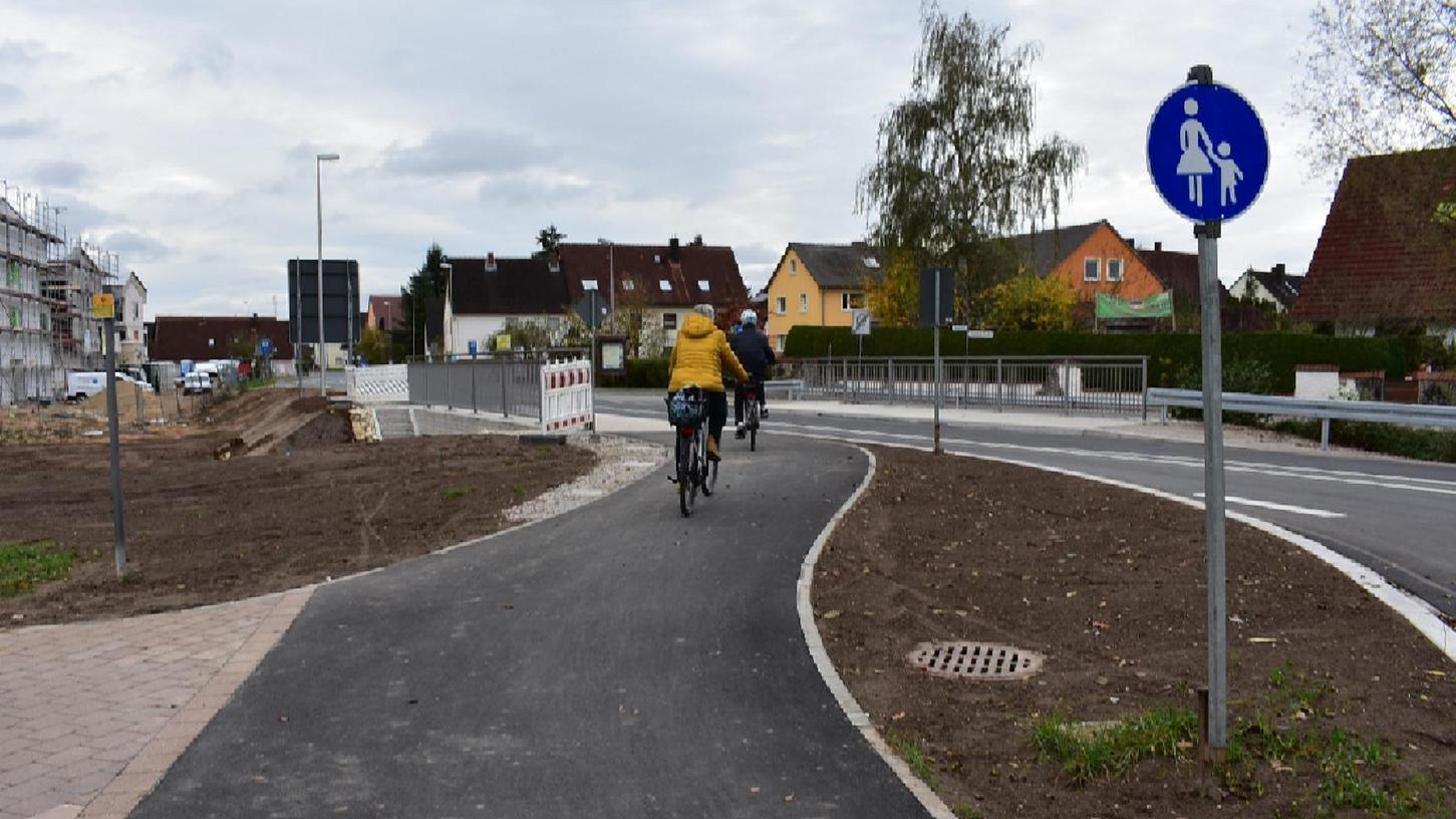 So mancher Berufstätige, der mit dem Rad über Dormitz nach Erlangen zur Arbeit fährt, hält die Verkehrsführung nach dem Neubau für unsicherer als vor dem Bau.