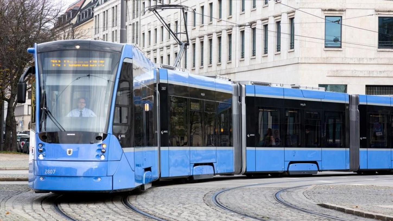 """Die aktuellen """"Avenio""""-Straßenbahnzüge der Erlanger Firma Siemens dienen den StUB-Planern als """"Bemessungsfahrzeuge"""", die bis zu 54 Meter lang sein können. Dabei geht es um den allgemeinen Platzbedarf ebenso wie um Kurvenradien."""
