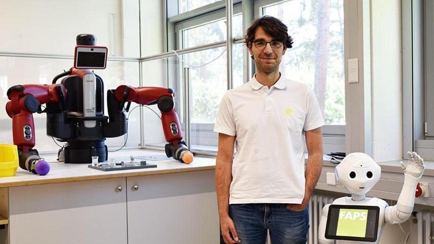 Erlanger Roboter Pepper hilft beim Verlieren