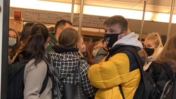 Gestaffelter Schulbeginn soll Gedränge in U-Bahn entzerren