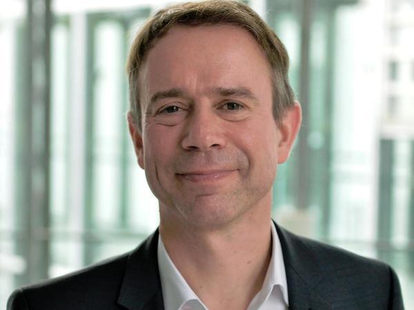 Markus Krajewski lehrt seit 2010 als Professor für Öffentliches Recht und Völkerrecht an der Friedrich-Alexander-Universität in Erlangen. Seine Laufbahn hat den 51-Jährigen unter anderem nach Hamburg, Florida und London geführt. Heute sitzt er dem Kuratorium des Deutschen Instituts für Menschenrechte vor.