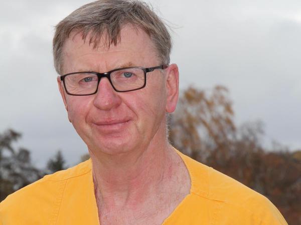 Horst Braun ist 61 Jahre alt und hat am Klinikum Forchheim die Ausbildung zum Krankenpfleger gemacht. Nachdem er anschließend in Erlangen die Fachweiterbildung zum Intensivpfleger absolvierte, kehrte er 1992 ans Klinikum Forchheim zurück. Seit 1997 leitet er nun hier die Intensivstation auf pflegerischer Ebene.
