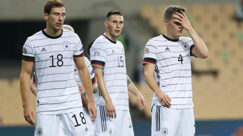 Sowohl in Deutschland als auch international zeichneten sich Schock und Verblüffung in den Medienberichten zum Auftritt der DFB-Elf in Spanien ab. The Guardian kommentierte kurz und knackig: