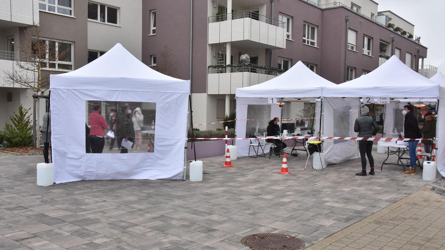 Anfang der Woche fand die Reihentestung im Egersdorfer Heim statt. Die Bewohner wurden durch mehrere Zelte geschleust.