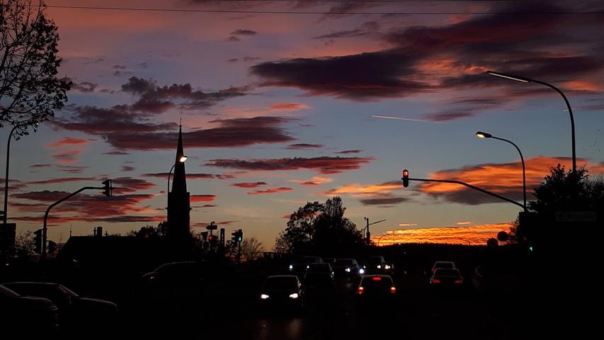 Diesen imposanten Abendhimmel über Forchheim hat Rotraud Krüger eingefangen.
