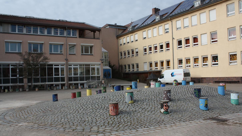 Zu sehen ist hier die Stephani-Schule: Laut Bürgermeister lassen sich dort alle Räume ausreichend lüften.