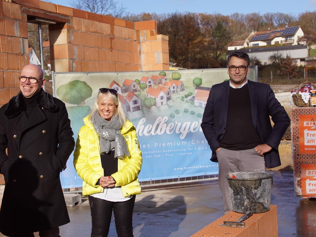 FOTO: Horst Kuhn; 20.11.2020; AB MOTIV: Büchelbergerei Grundsteinlegung, Axel und Almut Bröker und Roland Investor