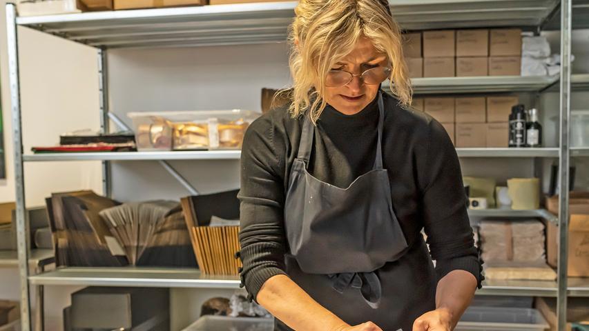 Der Baiersdorfer Partyservice Bachmann ist ein Familienunternehmen. Die Gourmetboxen, die Barbara und Carmen Bachmann in alle Welt verschicken, erfüllen sehr hohe Ansprüche.