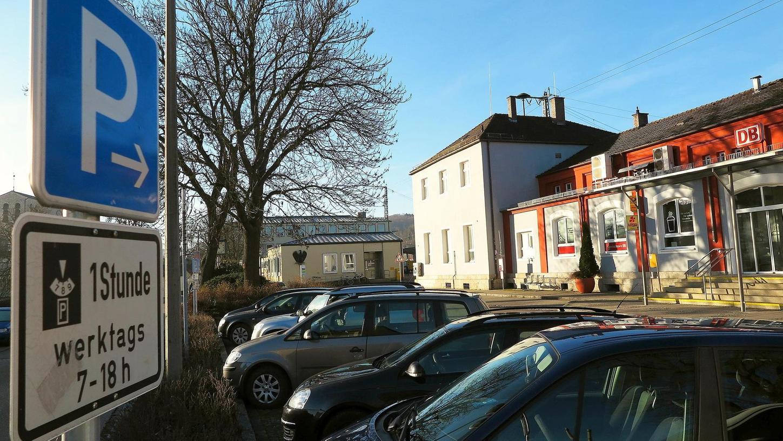 Die Parkplatzsituation an Bahnhof, Therme, in Luitpold- und Uhlbergstraße sowie die Verkehrslenkung in der Stadtmitte sind eines der wenigen großen Projekte, die der Treuchtlinger Stadtrat trotz der klammen Kasse nächstes Jahr angehen will.